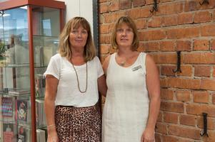 Maria Morén, bibliotekschef och  Anna-Karin Karlsson, biblioteksassistent har varit med i processen att göra om lokalerna i stationshuset till bibliotek.