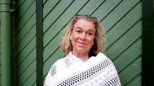"""Paula Engkvist är hustru till konstnären Marianne Bos Marengs brorson. Hon minns Marianne: """"Hon var en inspiratör, innovatör och en sådan positiv kraft. Hon var nyfiken på livet och vad andra gjorde. Det är en ynnest, en fin gåva i livet att kunna omgärda sig med människor som sprider glädje och som har lätt för att skratta""""."""