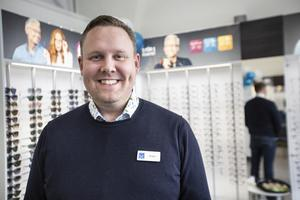 Rober Grundell är med för första gången på tjejkvällen med sin butik .