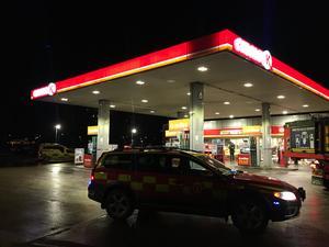 Foto: Magnus Westberg  Under fredagsmorgonen ryckte räddningstjänsten ut på ett brandlarm på bensinstationen Circle K på Berglslagsvägen.