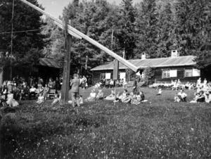 Hembygdsgården i Hoverberg. Bilden troligen tagen på 1950-talet.