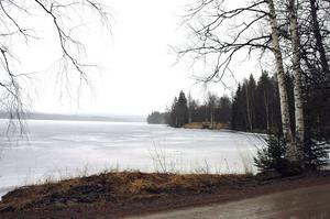 Drunkningstillbudet inträffade i Stora Ulvsjön i Säters kommun. Bilden är tagen vid ett tidigare tillfälle. Foto: Roland Berg/Arkiv