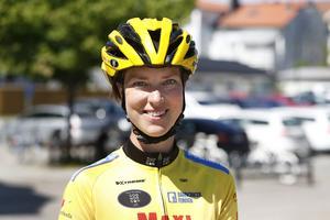 – Det lär nog bli några sår innan vi är framme i Paris. Men vi har med en läkare och två sjuksystrar där en är i följebil och en läkare och sjuksyster också cyklar, säger Lina Andersson.