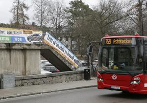 Skribenten har reagerat på den marknadsföring som trafikskolan på Lovisinsgatan har.