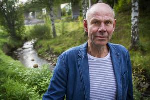 Bengt-Olov Renöfält (C) vill att kommunen drar tillbaka sitt överklagande av mark- och miljödomstolens dom , som rör Galvån.