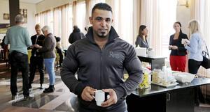 Ahmed Abbas ska få pratisera som personlig tränare på Gävle sjukhus.