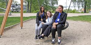 Tilly Jensen, Jennifer Eriksson och Jakob Angbäck utgör tillsammans med Erica Eriksson Unga Arrangörer i Kungsör. 29 juni ordnar de stor barnfestival i Pinnparken.