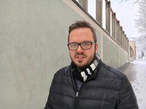 Det är funktionen, inte personen som gör att Nina Burchardt inte kan sitta kvar som ordförande förklarar Henrik Persson (S)