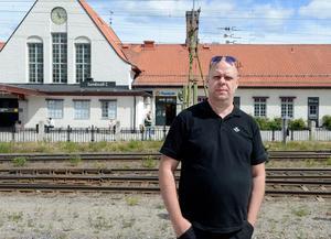 Lokföraren Jan-Olof Elfvén får testa