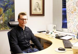 Johan Andersson (C), kommunstyrelsens vice ordförande, meddelar att deras parti säger nej till vindkraftspark i Fängsjön och Storsjöhöjden.