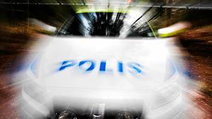 Vid 21-tiden på måndagskvällen trängde sig fyra maskerade män, beväpnade med olika tillhyggen, in i en lägenhet i Borlänge och rånade lägenhetsinnehavaren. OBS: Bilden är tagen i ett annat sammanhang.