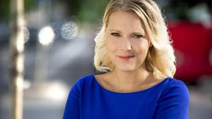 Carina Bergfeldt, uppväxt i Götene och som även har jobbat på VGT-tidningarna under en period, får nu sin egen talkshow i SVT. Innan dess ska hon rapportera från den amerikanska valrörelsen. Foto: Janne Danielsson, SVT