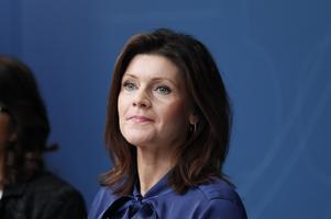 Arbetsmarknadsminister Eva Nordmark (S) tvingas genomdriva Centerns politik.