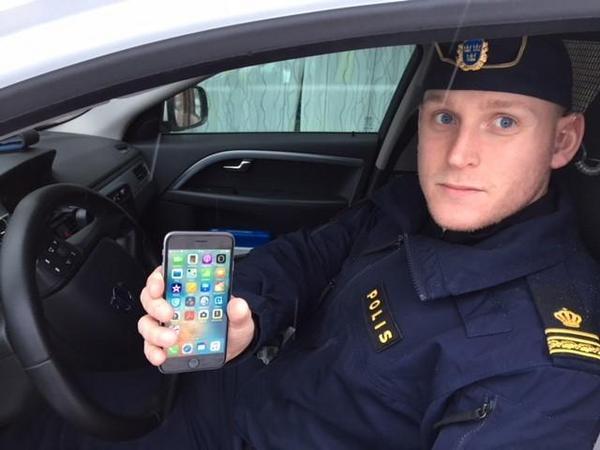 Andreas Angermund, gruppchef vid polisens ingripandeverksamheten i Sala, säger att Salapolisen ofta stoppat mobilsurfande och sms:ande bilförare då man trott att det varit frågan om rattfyllerister som kört vingligt på vägbanan.