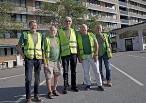 Leif Hamberg, Christer Ljungqvist, Lennart Castegren, Nils Borgström och Rune Engman. Värnpliktiga för 55 år sedan som har återförenats  i Sollefteå och bland annat deltagit i BB-ockupationen.