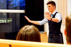 """Som föreläsare fick Filip Reineby 2019 en fin utmärkelse på Företagargalan: """"En av årets unga entreprenörer och förebilder"""". Foto: Privat"""