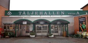På konserten på Täljehallen i Södertälje sjunger runt 400 barn och ungdomar i åldern 10–19 år.