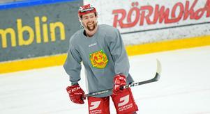 Oskar Svanlund hoppas på ett roligare år för Mora IK.