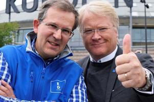 Lars Adaktusson (KD) (t h) går i sin företrädare Lennart Sacrédeus fotspår och vållar partiledningen problem. Foto: Mats Laggar