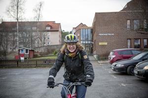 Även om Kristina Floréns cykeltur bara är några minuter så hjälper den henne att må bättre.