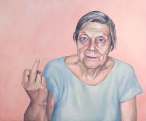 Anna Norvells porträtt av sin mormor när hon visar fingret är med på en porträttutställning i Jordanien.