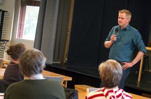 Platschefen för Svågadalen, Fredrik Röjd, bad om förlåtelse för sina ord på internet.