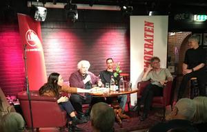 Panelsamtal i serien Röda Rummet på puben Broken Dreams, om Borlänges utseende. Från vänster: Pernilla Wåhlin Norén, Göran Greider, Gustaf Norén, Ulf Lundén och Angelica Ekholm.