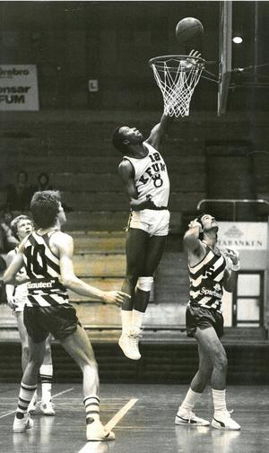 Richard var stor stjärna i KFUM Örebros basketlag som spelade i elitserien i slutet av 1970-talet. Han spelade fem säsonger i KFUM och blev bland annat trea i elitseriens skytteliga säsongen 1979-80 innan han lämnade KFUM för spel i lokalkonkurrenten BK Star. Bild:  Stig Nyström