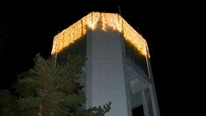 Kolbäcks vattentorn med ny julbelysning