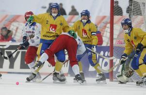 Februari 2007. Englund spelade nio VM med landslaget och vann guld i tre. Här, i Kemorovo, förlorade Sverige med 1–3 mot Ryssland i finalen.