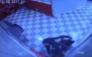 Sedan går han ut och in och pantar drickabackar efter drickabackar. Bilder: Polisens förundersökning