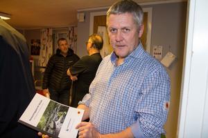 Lars-Ove Persson, naturvårdsspecialist på Stora Enso, tycker att arbetet med restaureringen fått bra fart.