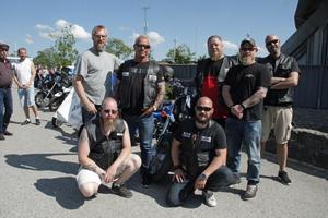 Jernviken MC var på plats i solen. Övre raden från vänster: Thomas Pousette, Per Moberg, Pasi Solarinne, Robert Vestrin, Johan Wanke. Undre raden från vänster: Kenth Lengquist, Henrik