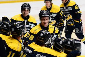 Anton Bengtsson gjorde 2+2 när HV krossade Timrå.