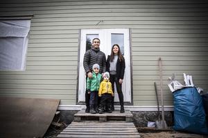 Familjen Kaya-Borglund renoverar i Lien med utsikt över Ragundadalen.