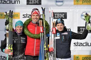 Bob Impola (till vänster) efter loppet tillsammans med segraren Andreas Nygaard och trean Stian Hoelgaard. Foto: Ulf Palm/TT