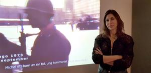 "Angela Bravo visar filmen ""Michel Nash""."