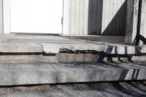 Det är bara en tidsfråga innan en olycka inträffar på grund av den söndervittrade stentrappen befarar PRO-föreningen.