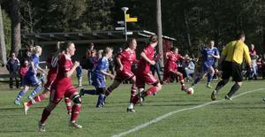 Grycksbo mötte Svärdsjö på Kristi himmelsfärdsdagen i ett välbesökt faluderby på Tansvallen. Hemmalaget vann med 5–0, och har två spelare med i maj månads lag.