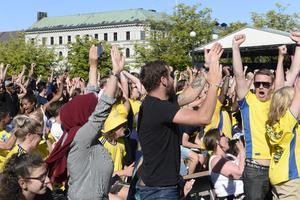 Volymnivån blev väldigt hög när Emil Forsberg gjorde 1-0 Sverige, som blev det avgörande målet.