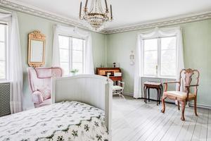 Ett av sovrummen.  Foto: Carlsson Ring