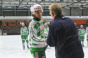 Rasmus Sjöström fick ta emot pris som turneringens försvarare.