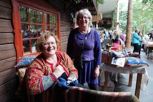 Karin Blomkvist från Funäsdalen och Kathy Bäck, Hedeviken, fanns på plats i vinterträdgården.
