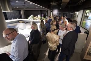 Ett 30-tal gäster fanns på plats under invigningskvällen.