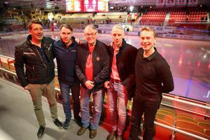 Lagkompisarna Johan Sares, som också spelat i Malmö, Kacke Larsson, tränaren Såja Jaakobsson, Göran Rengärde och Kjell Olsson Kry.