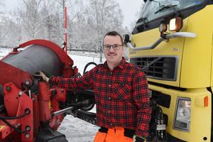 Det här är tredje säsongen som Martin Källgren plogar snö i kommunen.
