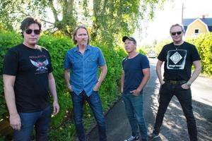 Thomas Lundgren, bröderna Mats och Magnus Nelin och Hansi Fellbrink spelar på Casino Cosmopol i oktober.