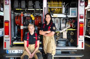 Brandmännen Linnéa Ingmar och Ilona Lindkvist är stiftare till Brandhjärtan – de ska hjälpa barn som har det svårt i livet.