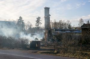 Brandkåren kunde inte rädda huset som brunnit ner till grunden.