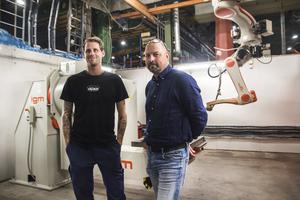 Andree Lundh arbetar som produktionsledare på Acab och Tommy Wallin är platschef på företaget.